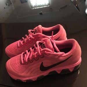 Women's Nike air max pink black 6.5